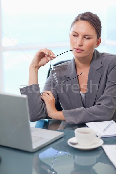 Stok fotoğraf: Portre · işkadını · dizüstü · bilgisayar · kullanıyorsanız · ofis · çalışmak