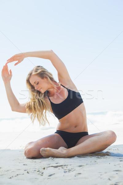 フィット ブロンド 座って ヨガのポーズ ビーチ ストックフォト © wavebreak_media