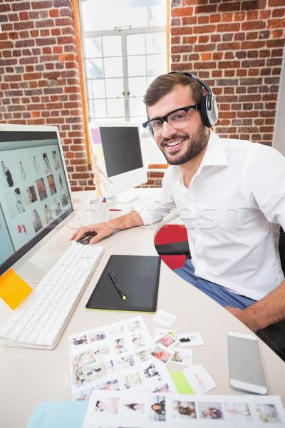 Glimlachend foto editor kantoor portret Stockfoto © wavebreak_media