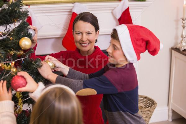 Matka syn córka choinka domu salon Zdjęcia stock © wavebreak_media