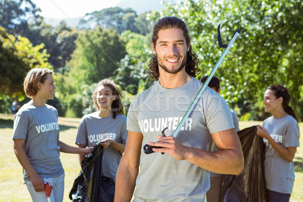 Zespołu wolontariusze w górę kosza Zdjęcia stock © wavebreak_media