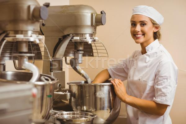 Bakker groot mixer commerciële keuken Stockfoto © wavebreak_media