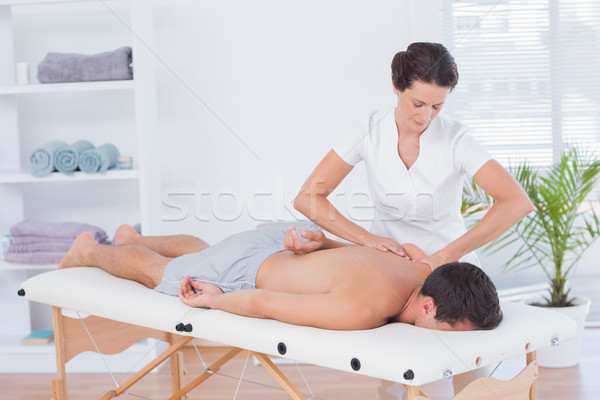 Zdjęcia stock: Powrót · masażu · medycznych · biuro · kobieta · zdrowia
