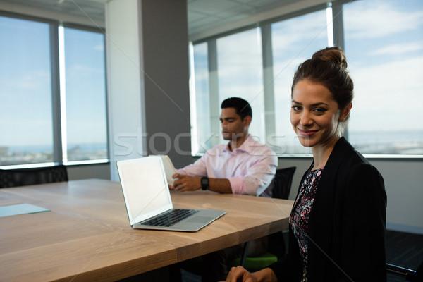 女性実業家 座って 表 男性 同僚 デジタル ストックフォト © wavebreak_media