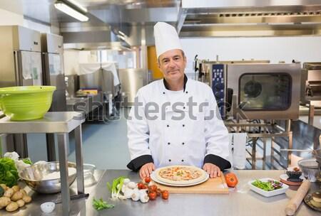 Männlich Küchenchef digitalen Tablet um Station Stock foto © wavebreak_media