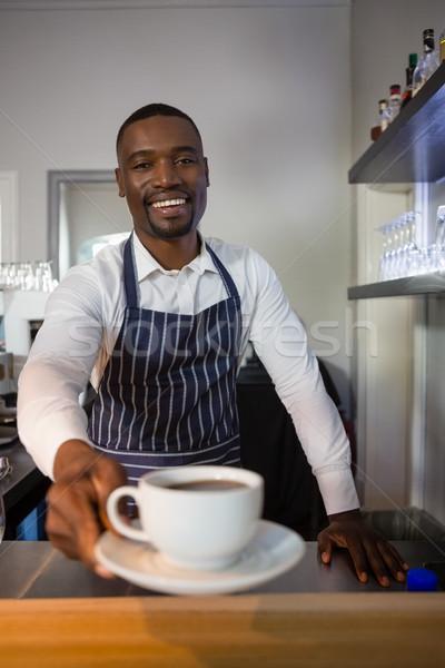 Portré mosolyog pincér kávé kávézó pult Stock fotó © wavebreak_media