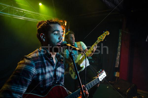Banda etapa boate homem microfone Foto stock © wavebreak_media