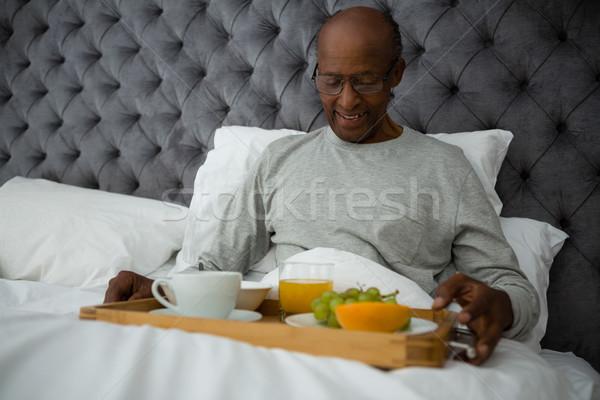 Stockfoto: Glimlachend · senior · man · ontbijt · dienblad · bed