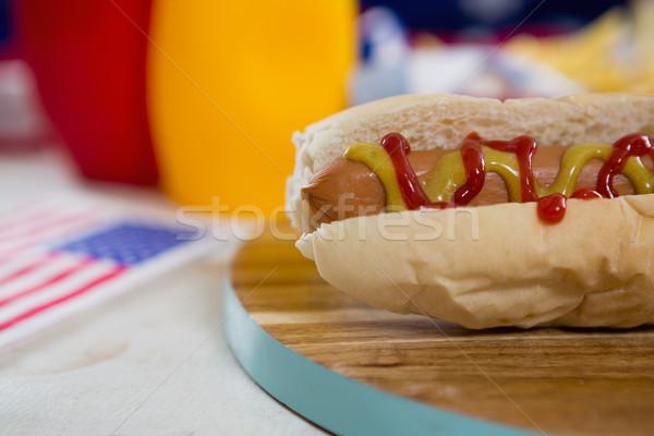Foto stock: Bandeira · americana · cachorro-quente · mesa · de · madeira · comida · azul