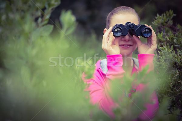 Kadın uzun yürüyüşe çıkan kimse bakıyor dürbün kadın Stok fotoğraf © wavebreak_media
