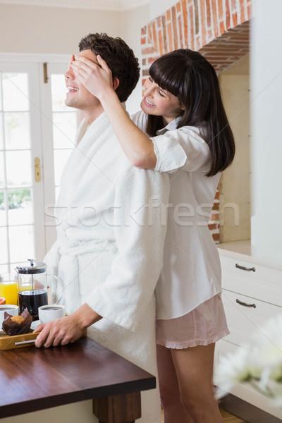 Gyönyörű nő szemek konyha ház szeretet boldog Stock fotó © wavebreak_media