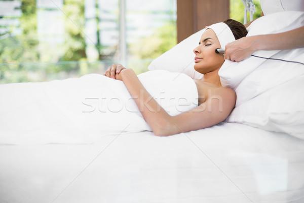 Nő megnyugtató ágy masszázs fürdő egészség Stock fotó © wavebreak_media