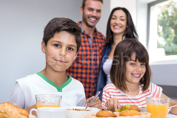 Gelukkig gezin keuken vrouw meisje gelukkig kind Stockfoto © wavebreak_media