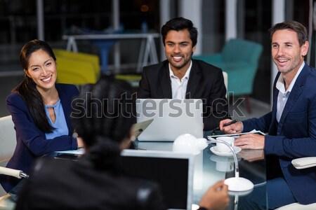 Empresario apretón de manos colega oficina reunión equipo Foto stock © wavebreak_media