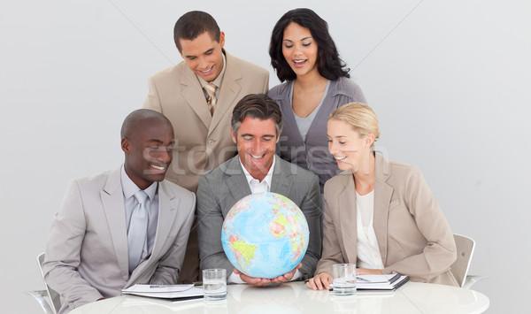 Equipo de negocios mundo oficina negocios Foto stock © wavebreak_media