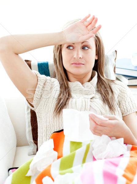 Enfermos fiebre sofá salón mujer Foto stock © wavebreak_media