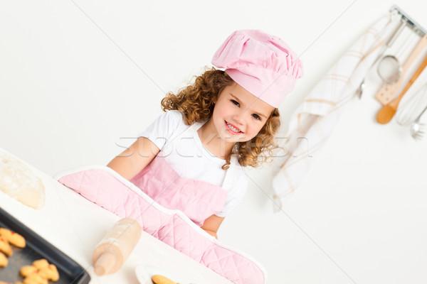 Portret cute meisje cookies keuken huis Stockfoto © wavebreak_media