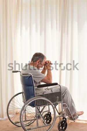 Zamyślony człowiek wózek domu medycznych zdrowia Zdjęcia stock © wavebreak_media