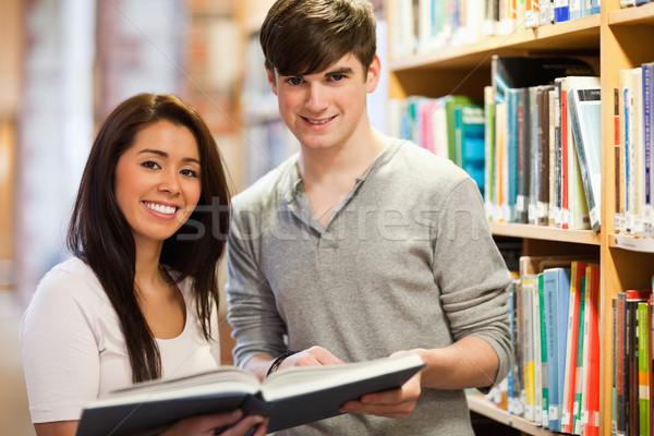 Mutlu Öğrenciler kitap kütüphane kitaplar Stok fotoğraf © wavebreak_media