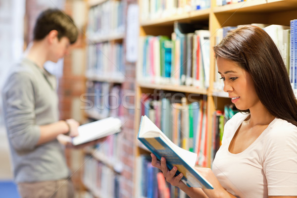 Giovani adulti studiare libri biblioteca libro istruzione Foto d'archivio © wavebreak_media