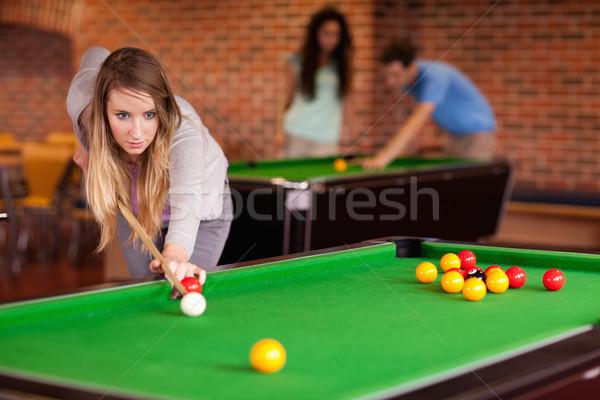 Kadın oynama snooker öğrenci ev yeşil Stok fotoğraf © wavebreak_media