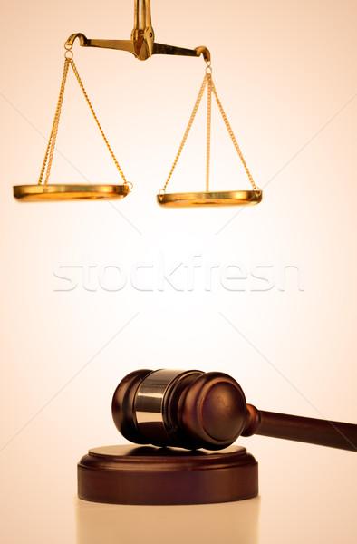 Fissato martelletto scala giustizia bianco legno Foto d'archivio © wavebreak_media