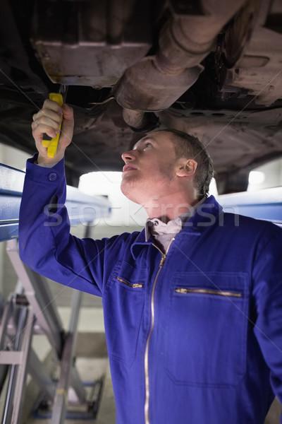 Mécanicien réglable garage voiture moteur Photo stock © wavebreak_media
