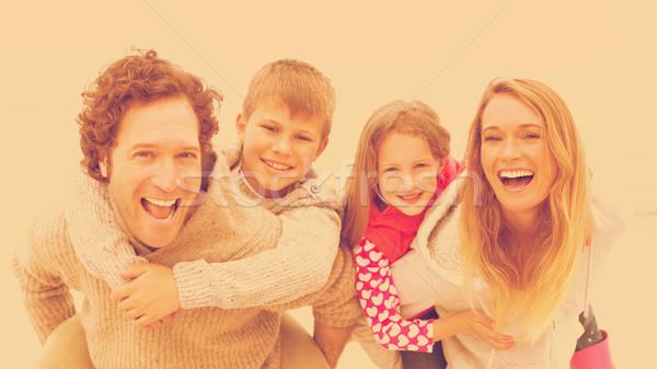 Stock fotó: Pár · gyerekek · tengerpart · portré · boldog · égbolt