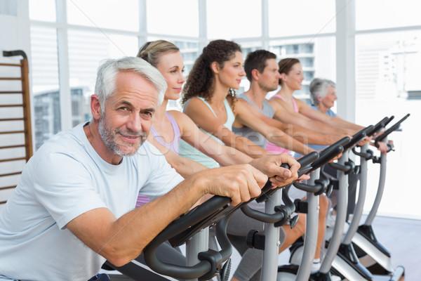 Las personas que trabajan fuera clase gimnasio grupo retrato Foto stock © wavebreak_media