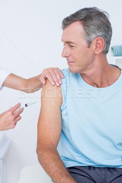 Foto stock: Médico · injeção · paciente · médico · escritório · mão