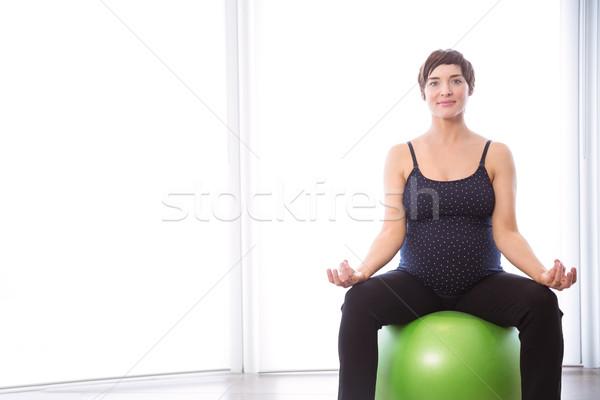 Terhes nő forma otthon ház fitnessz terhes Stock fotó © wavebreak_media