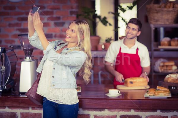 きれいな女性 ウェイター コーヒーショップ サーバー パン ストックフォト © wavebreak_media