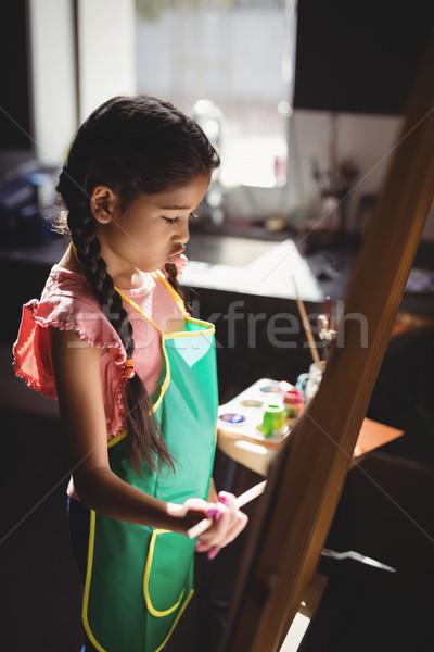 Uważny dziewczyna płótnie rysunek klasy Zdjęcia stock © wavebreak_media