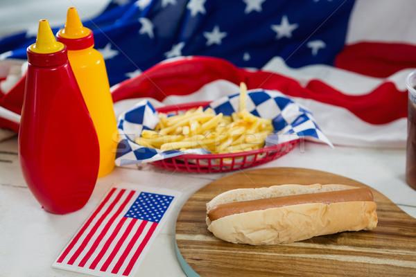 Amerikai zászló fa asztal közelkép étel kék zászló Stock fotó © wavebreak_media