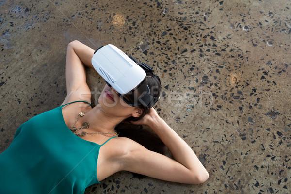 женщины исполнительного виртуальный реальность гарнитура служба Сток-фото © wavebreak_media