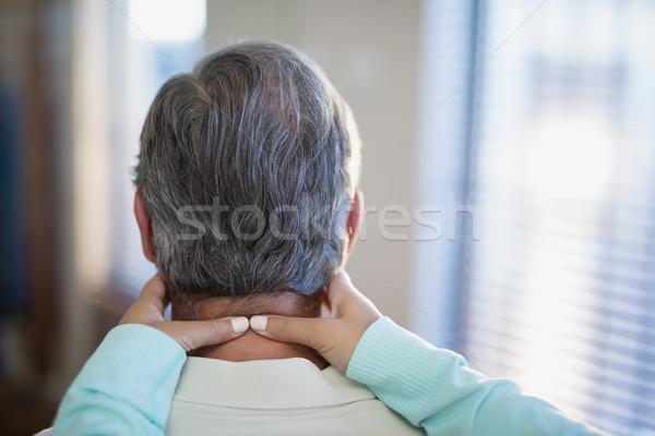 Kobiet terapeuta szyi mężczyzna Zdjęcia stock © wavebreak_media