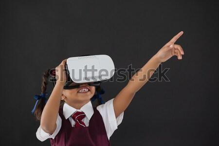 Femeie de afaceri virtual realitate setul cu cască alb Imagine de stoc © wavebreak_media