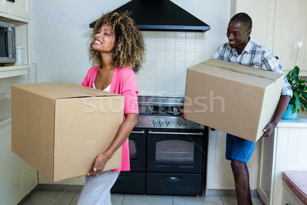 Fiatal pér hordoz szénhidrát tábla dobozok konyha Stock fotó © wavebreak_media