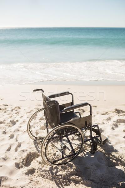 Zwarte rolstoel strand zee golven Stockfoto © wavebreak_media
