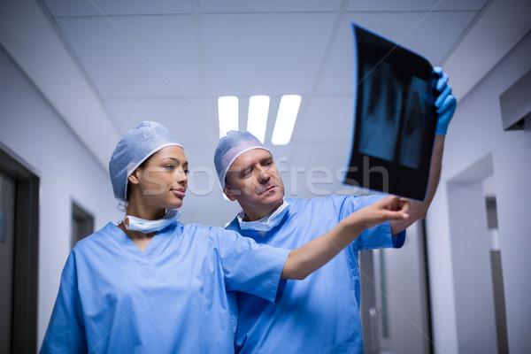 Chirurghi Xray ospedale uomo comunicazione Foto d'archivio © wavebreak_media
