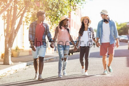 Glimlachend school kinderen lopen weg campus Stockfoto © wavebreak_media