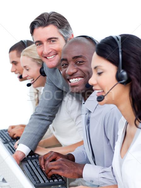 Szczęśliwy kobieta interesu oszczędność ceny skarbonka komputera Zdjęcia stock © wavebreak_media
