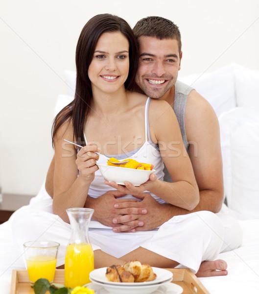 Esposa marido nutritivo café da manhã cama feliz Foto stock © wavebreak_media