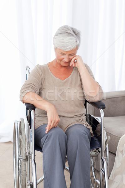 Zamyślony starszy wózek przestrzeni starszych śmiać Zdjęcia stock © wavebreak_media