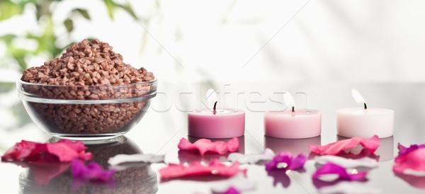 Różowy płatki świece puchar brązowy żwir Zdjęcia stock © wavebreak_media