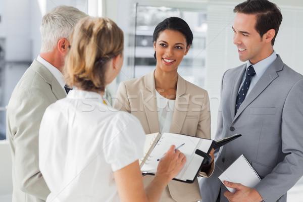 Glimlachend zakenlieden afspraak werkplek vrouw Stockfoto © wavebreak_media