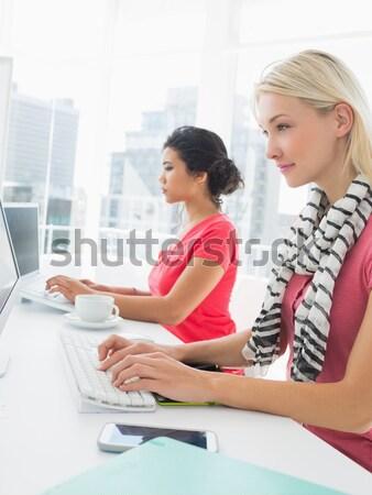 Női művész grafikus tabletta kollégák iroda Stock fotó © wavebreak_media