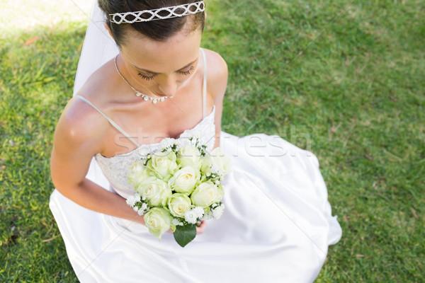 невеста букет сидят трава Сток-фото © wavebreak_media