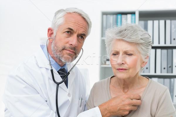 Medico battito del cuore stetoscopio medico di sesso maschile senior medici Foto d'archivio © wavebreak_media