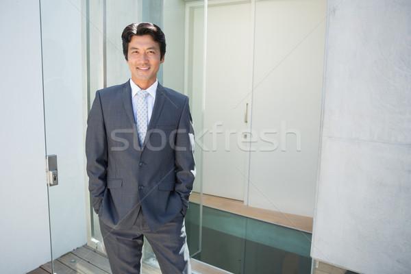不動産業者 立って フロントドア 外 家 男 ストックフォト © wavebreak_media